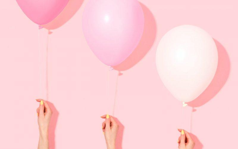ピンク色3つの風船正方形